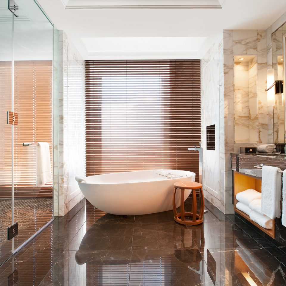 Bath City Luxury Modern property Suite bathroom condominium flooring tub bathtub