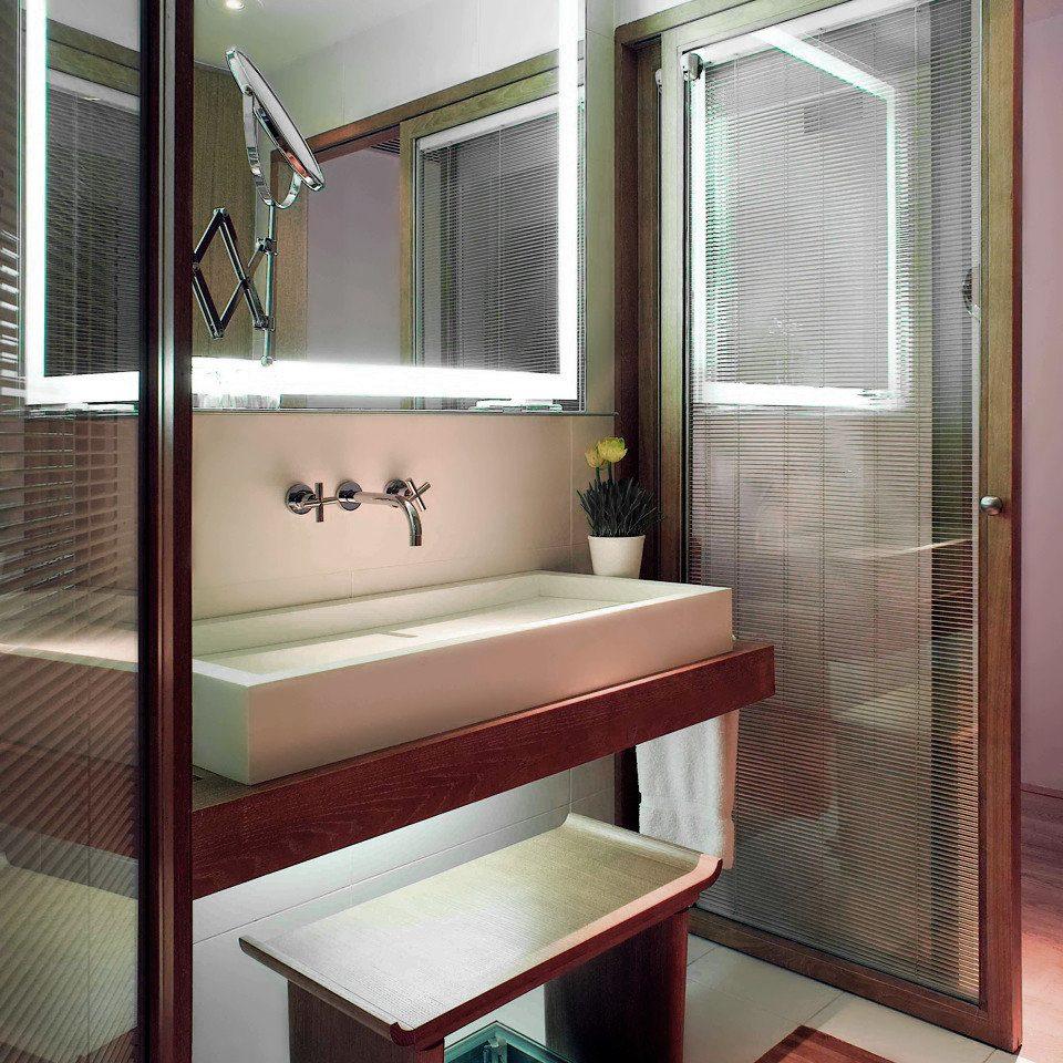 Bath City Modern bathroom property Suite tiled