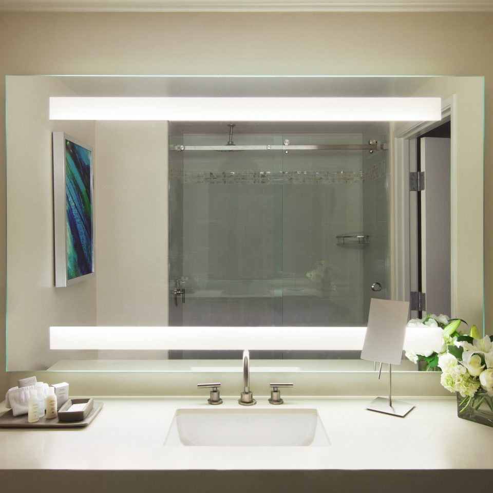 Bath Classic bathroom mirror sink living room home plumbing fixture bathroom cabinet bathtub toilet