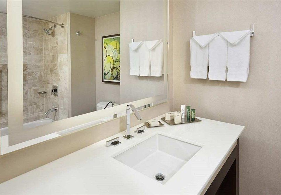 Bath Classic bathroom mirror sink property bathtub plumbing fixture home vessel