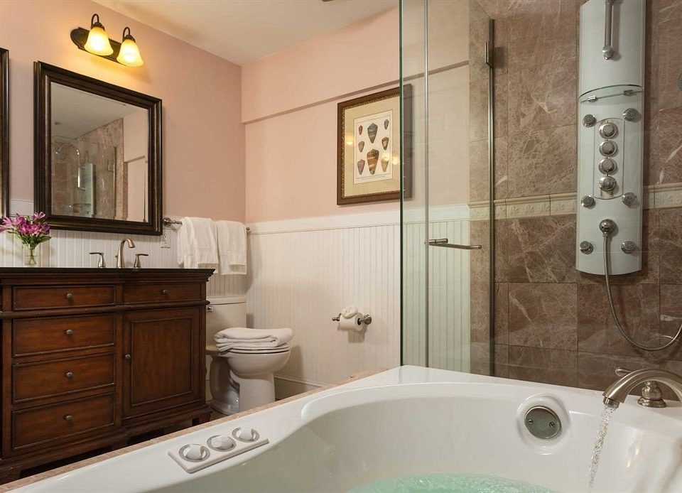 Bath Classic bathroom property home sink cottage bathtub