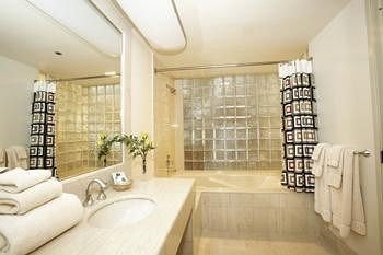 Bath Classic bathroom property toilet sink condominium home flooring living room tub