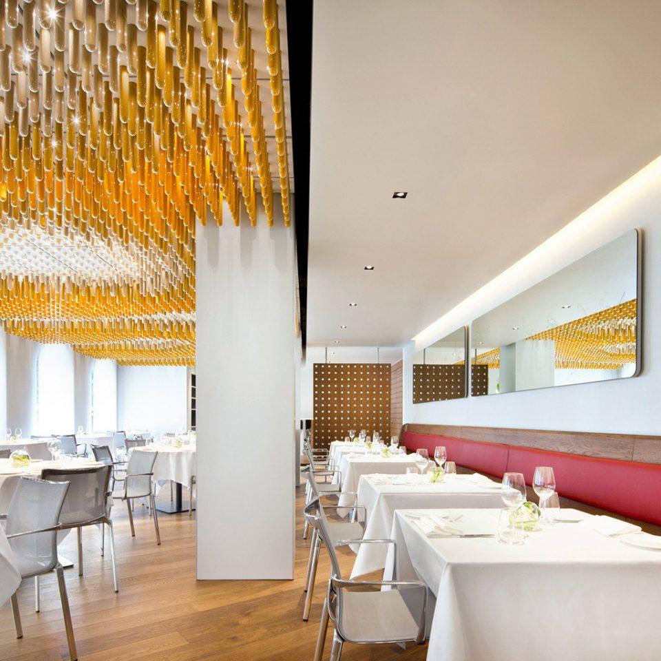 Classic Dining Modern property restaurant function hall Resort long tub bathtub Bath