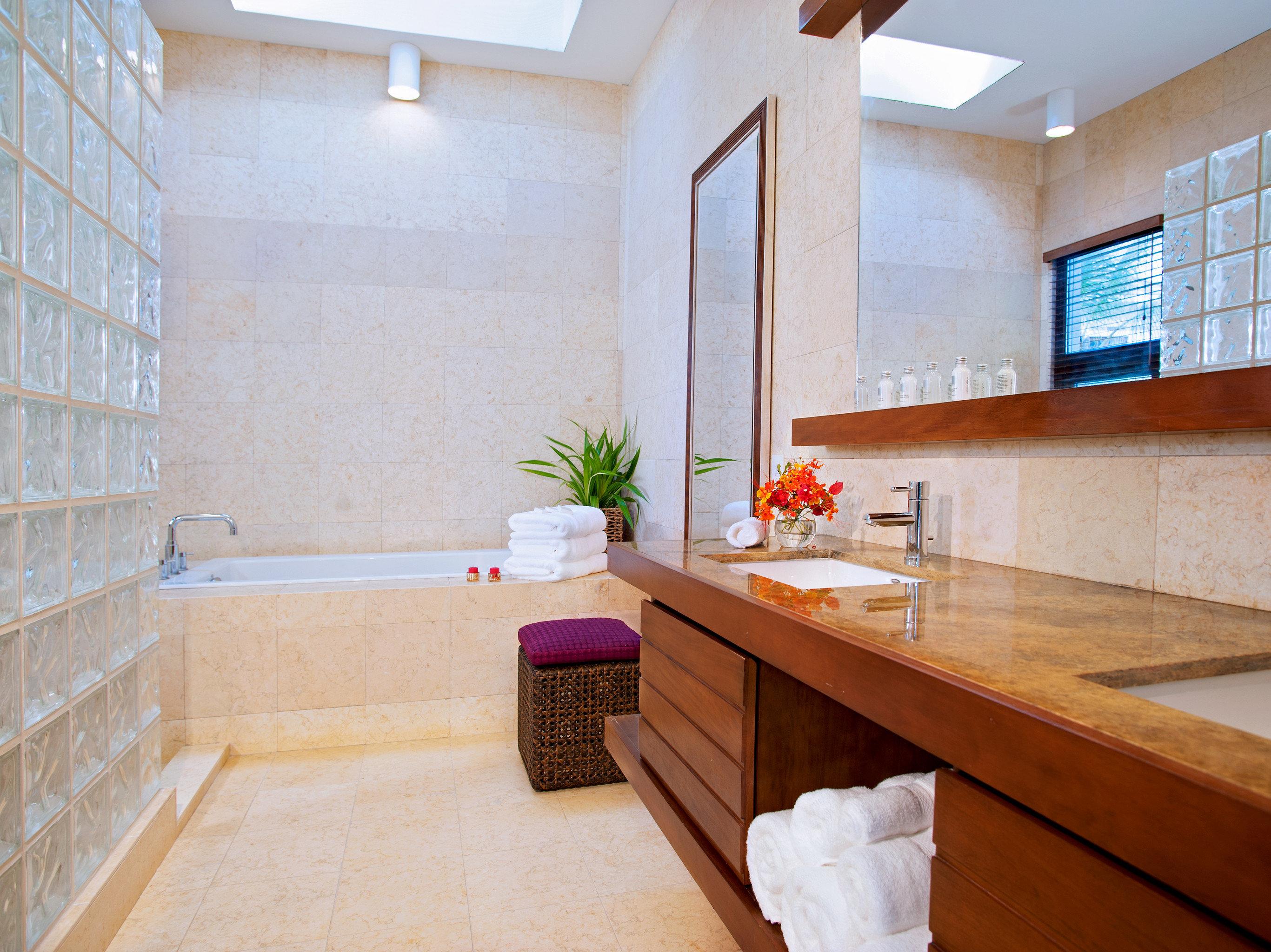 Bath Classic Eco Island property bathroom hardwood home counter cottage sink flooring countertop wood flooring tub tile bathtub tiled