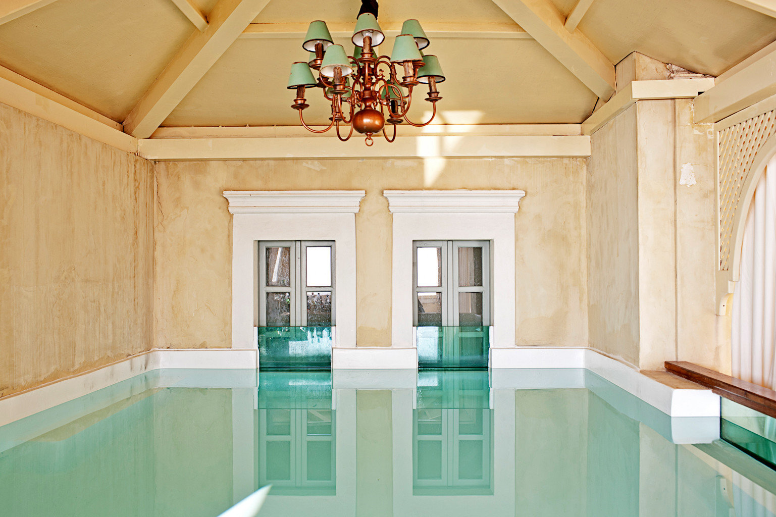 Classic Elegant Luxury Pool property home mansion daylighting living room cottage Kitchen painted Bath bathroom