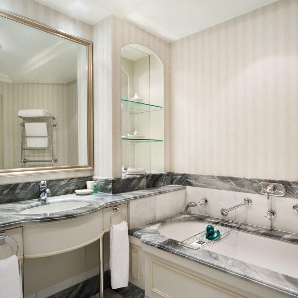 Bath Classic Elegant bathroom sink property home countertop Kitchen bathtub counter