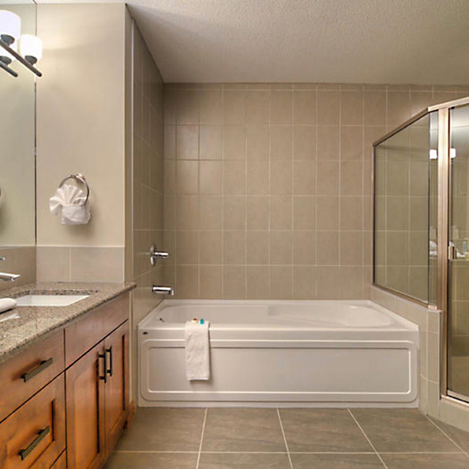 Bath Classic Resort bathroom property home sink flooring cabinetry plumbing fixture Modern