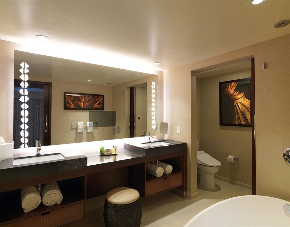 Bath Classic Resort bathroom mirror sink property home Suite condominium living room cottage Modern clean