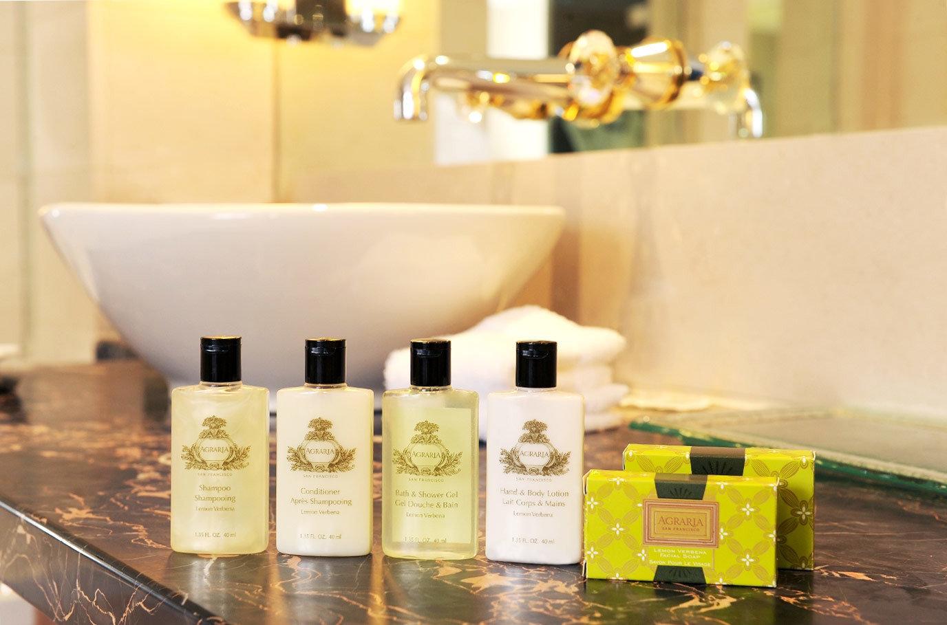 Bath Classic Resort yellow counter lighting