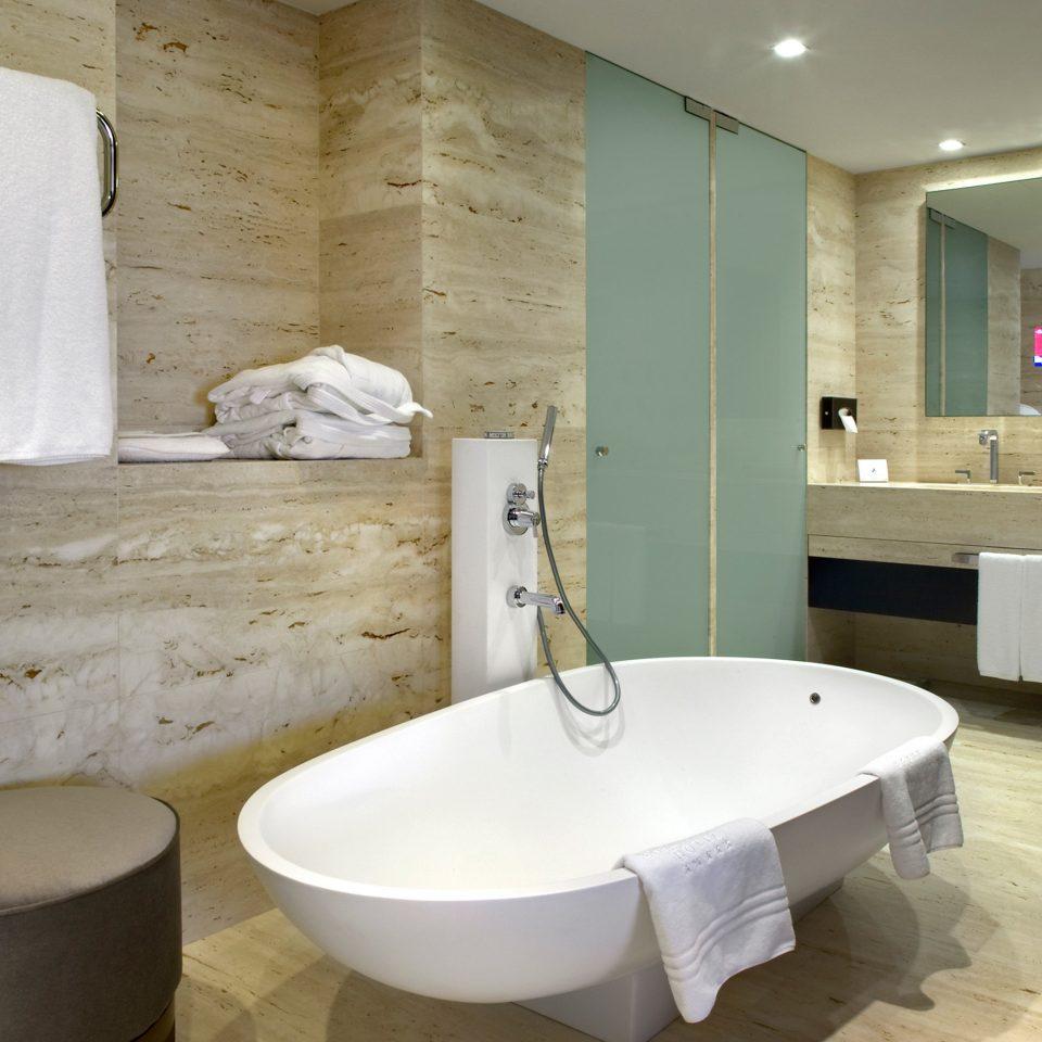 Bath Classic Resort bathroom property bathtub swimming pool sink plumbing fixture home bidet flooring Suite public toilet tub