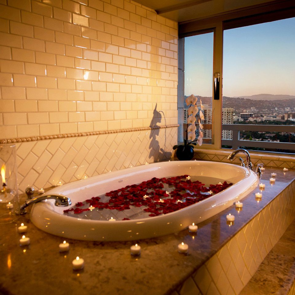 Bath Classic Resort swimming pool jacuzzi Suite