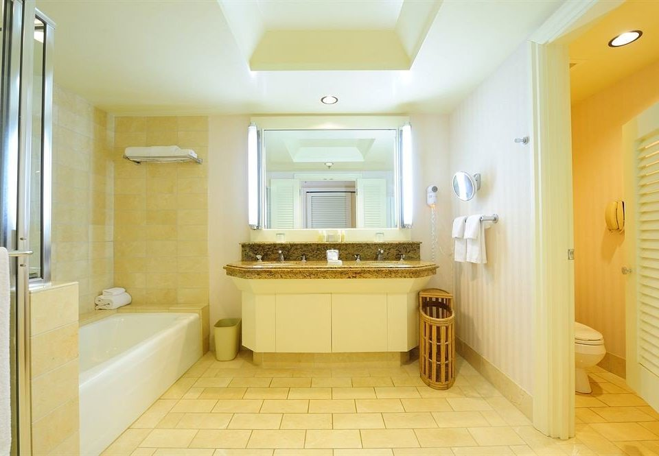 Bath Classic Resort bathroom property yellow sink home cottage Suite flooring tub tiled tile bathtub