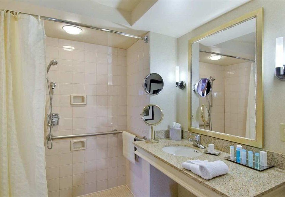 Bath Classic Resort bathroom mirror sink property towel home Suite public toilet plumbing fixture toilet cottage rack tan