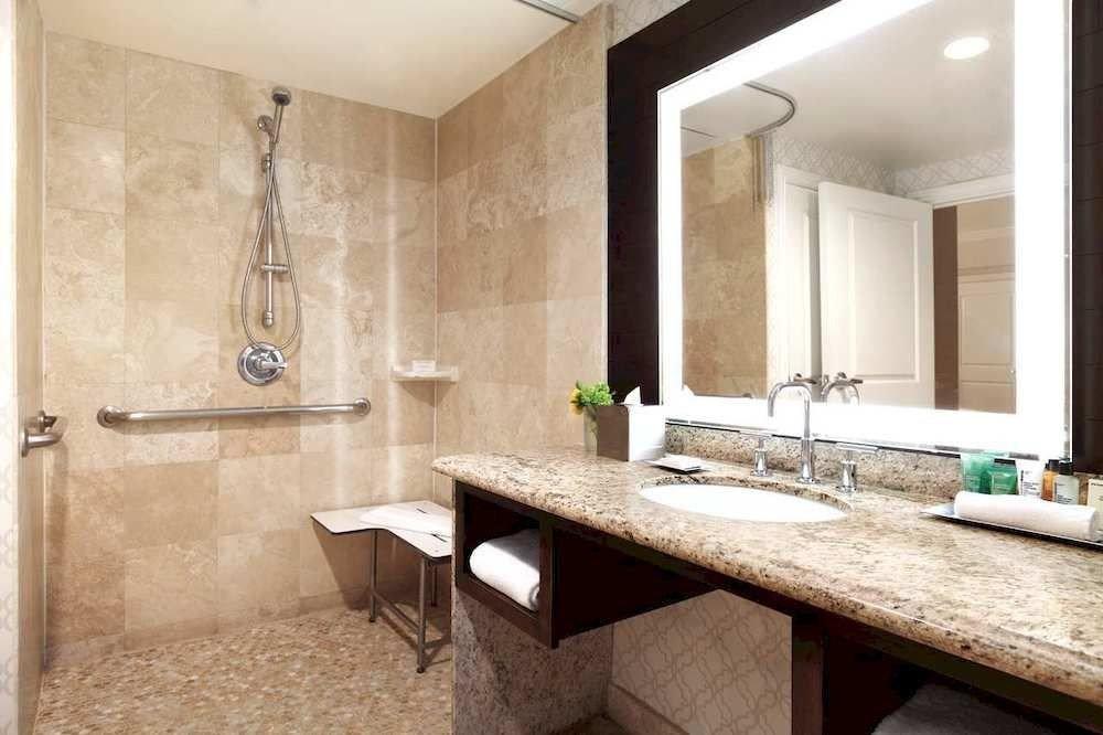 Bath Classic bathroom sink mirror property counter home Suite cottage tile