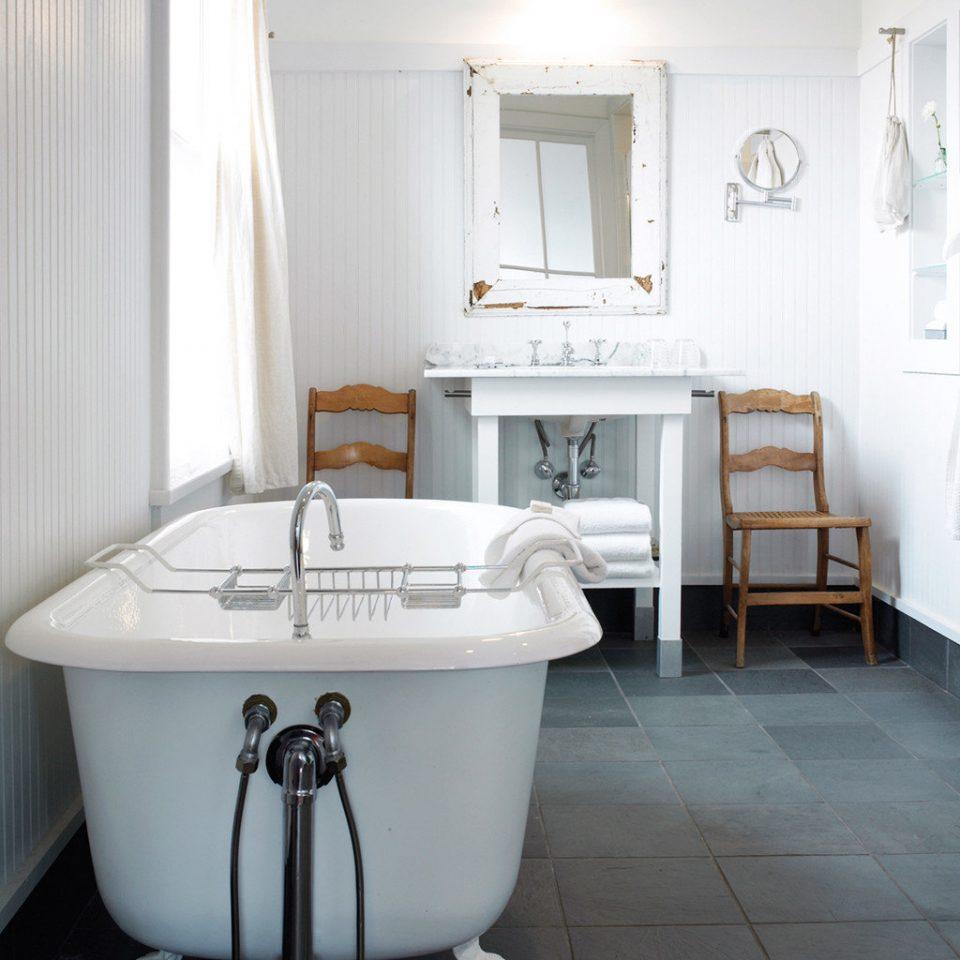 Bath Country Elegant Inn Romance Trip Ideas bathroom property bathtub plumbing fixture bidet flooring toilet swimming pool tiled