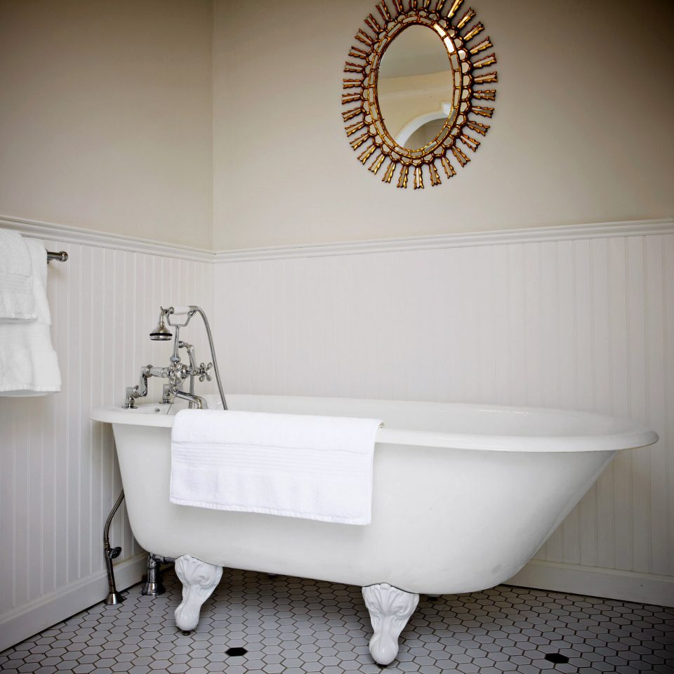 Bath Country Historic Inn white bathtub toilet bathroom plumbing fixture flooring sink bidet