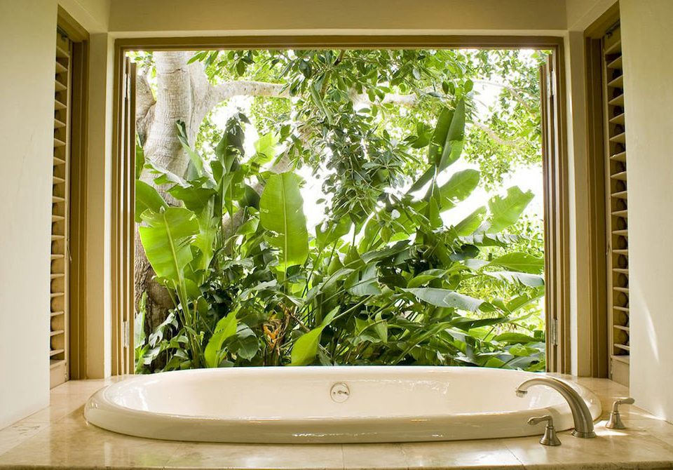 Bath Country Luxury Villa bathroom sink vessel green bathtub tub home swimming pool plant tile