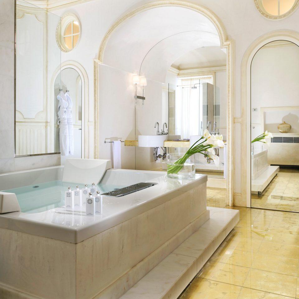 Bath Elegant Honeymoon Luxury Romantic Villa property bathroom living room home Suite mansion flooring