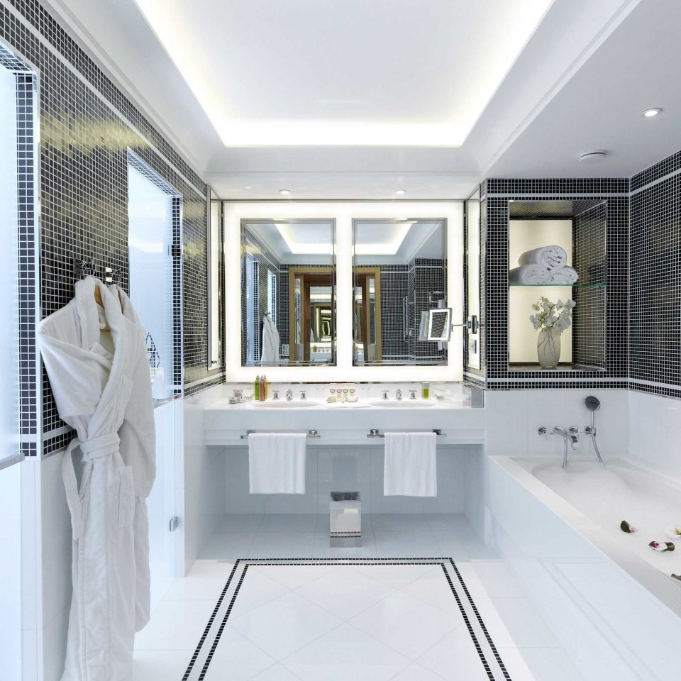 Bath Elegant Luxury Modern property home condominium living room
