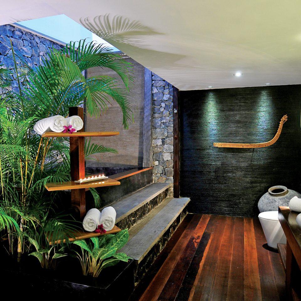 Bath Elegant Luxury Modern home cottage