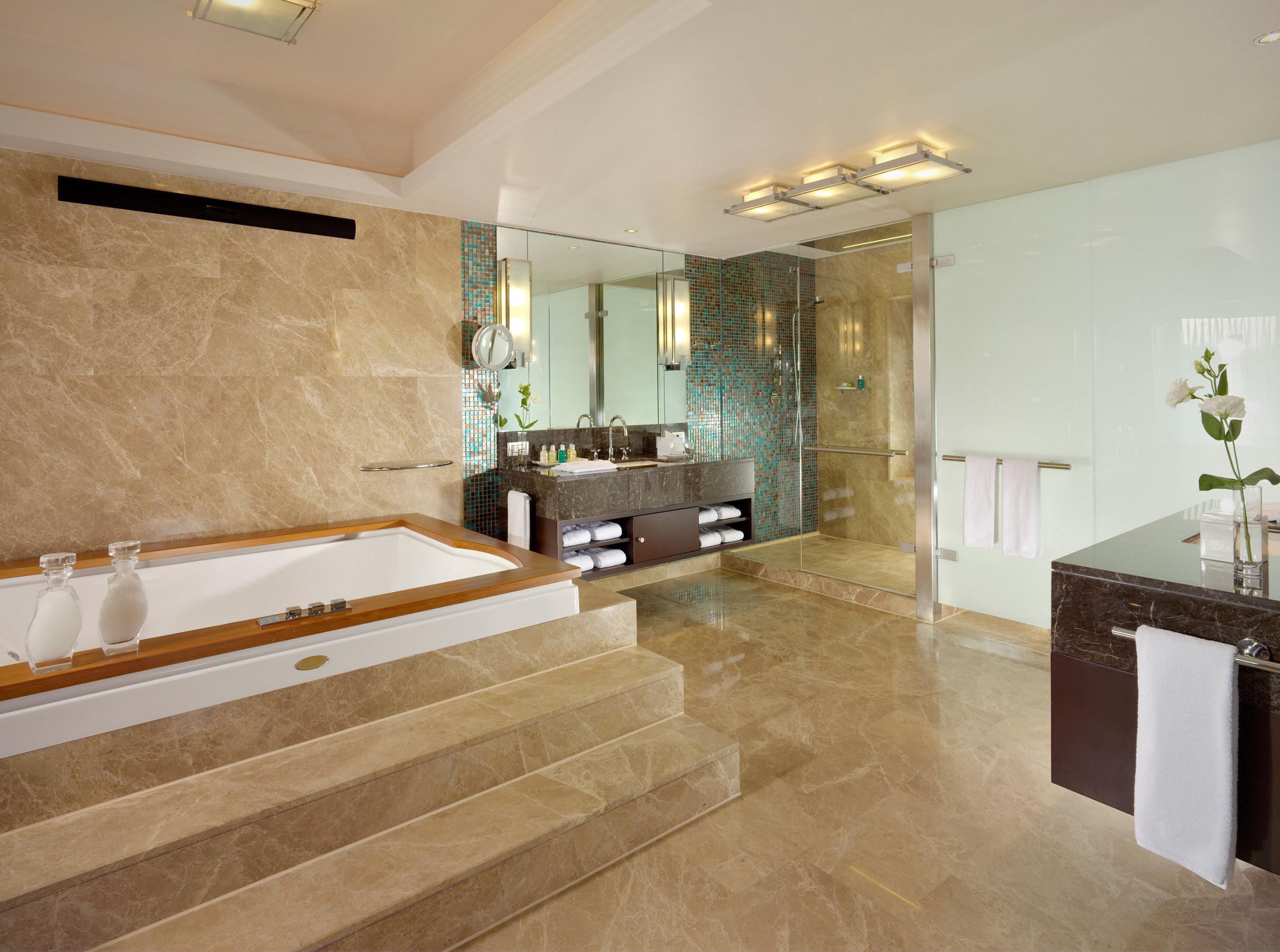 Bath Elegant Luxury property building bathroom flooring hardwood home Suite wood flooring countertop mansion