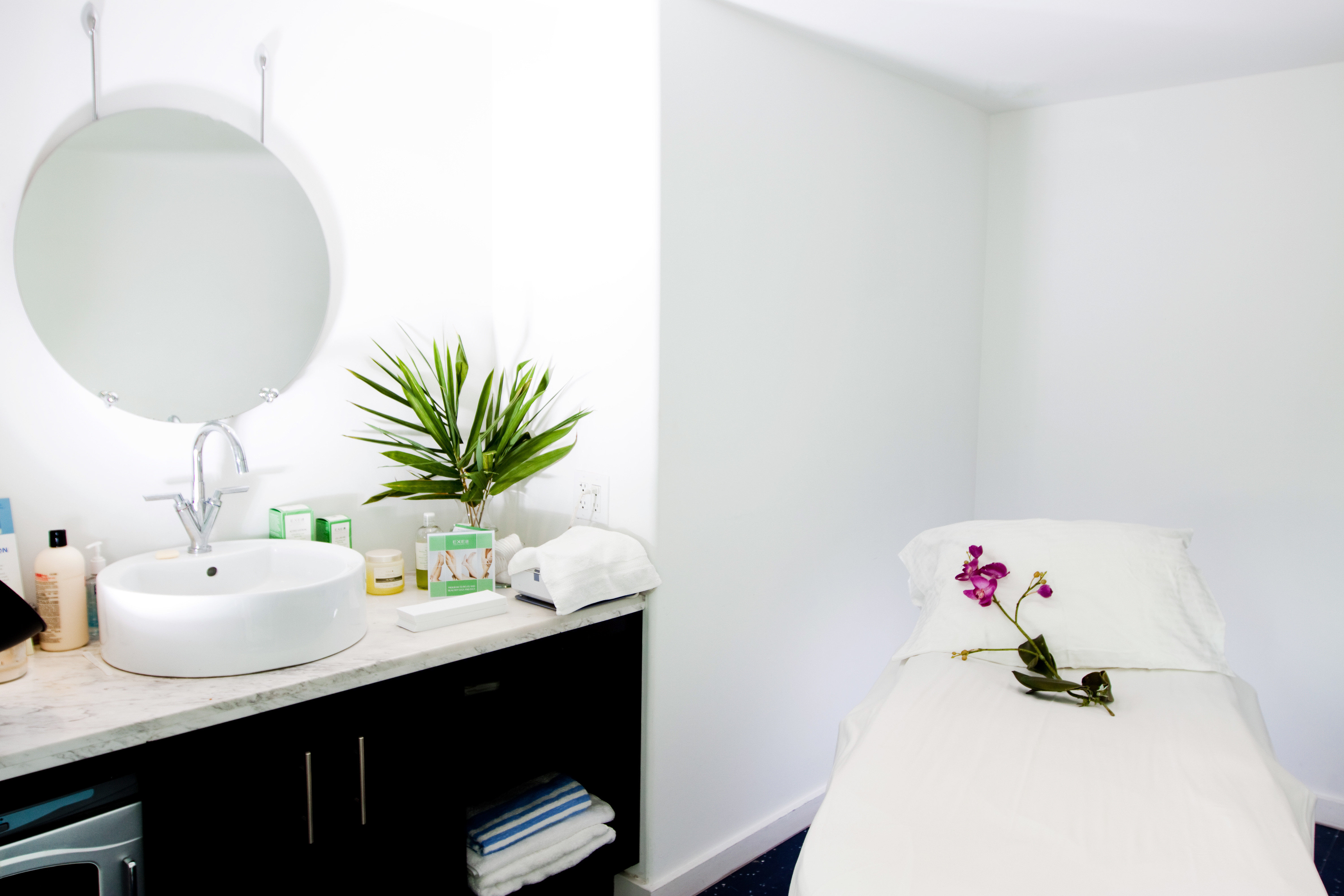 Bath Elegant Luxury white bathroom home bidet Suite cottage