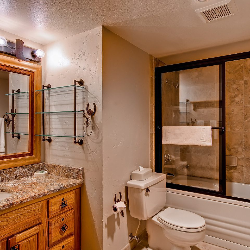 Bath Family Mountains Ski bathroom property home sink cabinetry Suite cottage
