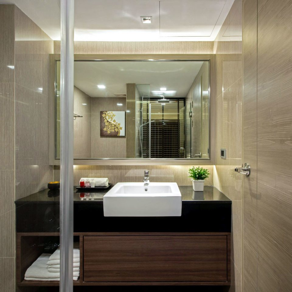 Bath Fitness Luxury Sport Wellness bathroom mirror property lighting home cabinetry Suite flooring toilet