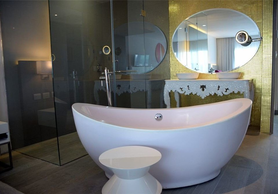 Bath Hip Luxury Modern bathroom bathtub property plumbing fixture bidet sink toilet swimming pool tub tiled tile