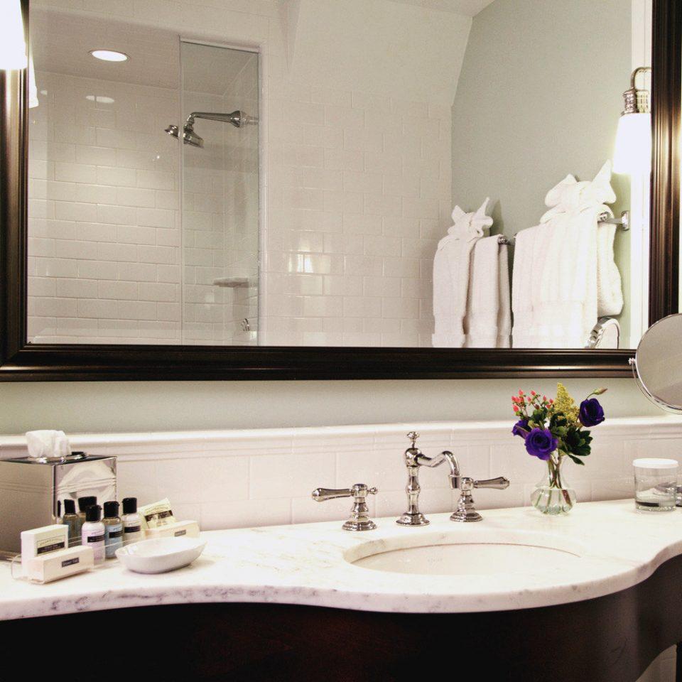 Bath Historic Inn bathroom sink mirror property home countertop lighting Suite plumbing fixture flooring Kitchen bathtub tile