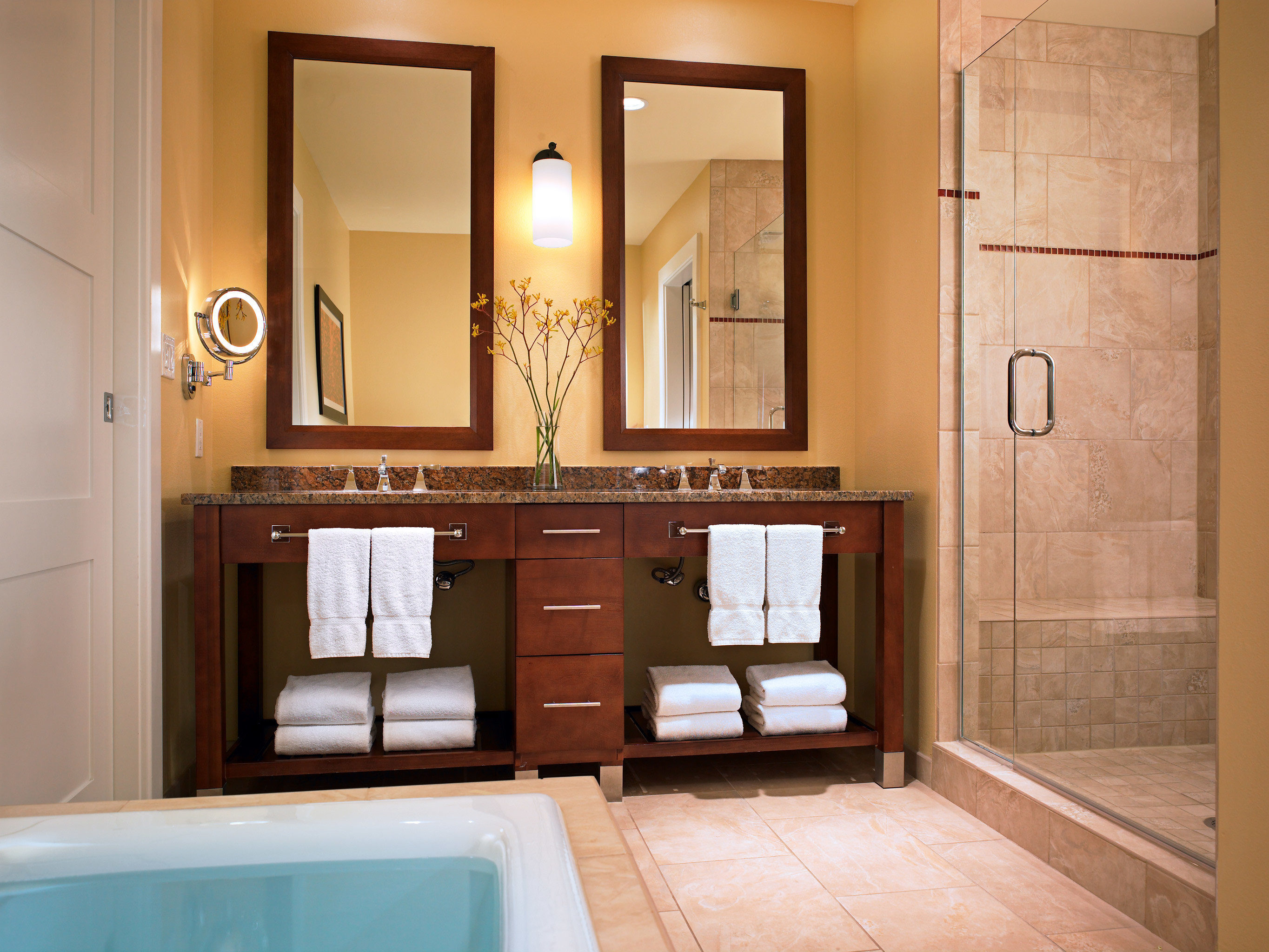 Bath Hot tub Hot tub/Jacuzzi Modern Villa bathroom property sink home cabinetry hardwood flooring Suite mansion plumbing fixture cottage tub tiled