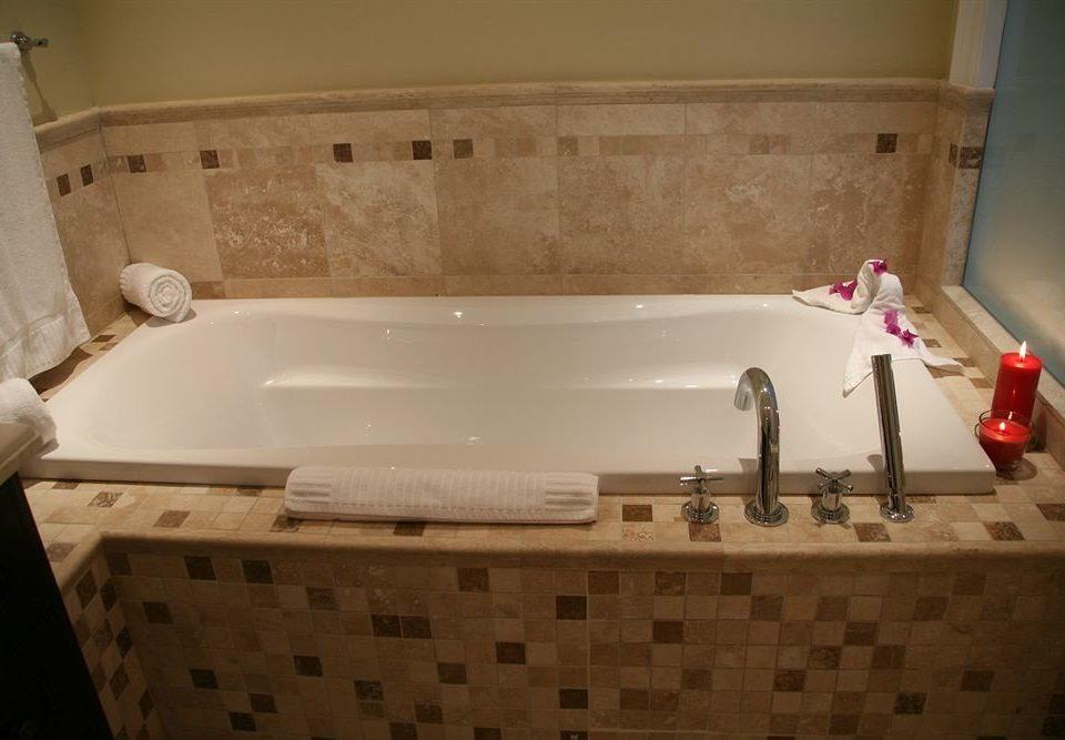 Bath Resort bathroom bathtub sink swimming pool man made object vessel jacuzzi plumbing fixture product tub Hot tub