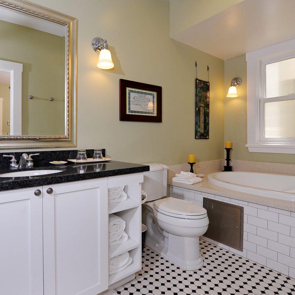 Bath Inn Lodge Romantic bathroom property sink home cuisine classique Kitchen white cottage