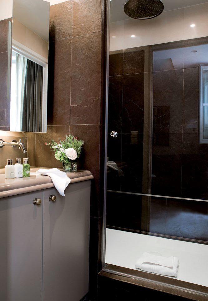 bathroom plumbing fixture home cabinetry sink Kitchen bathtub tub Bath