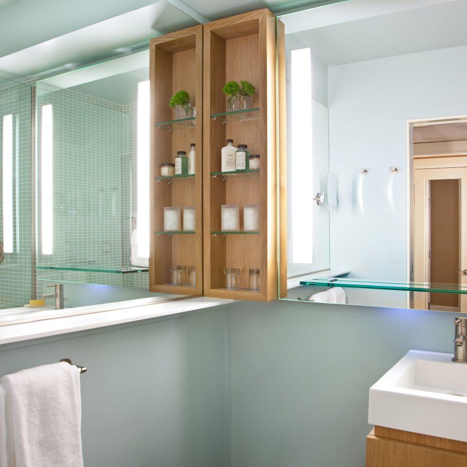 bathroom property sink green home cabinetry Kitchen flooring tub bathtub Bath