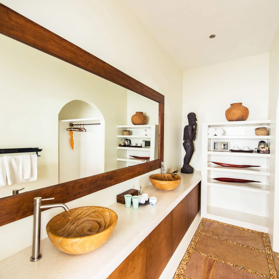 Bath Luxury Modern Resort property home cottage hardwood farmhouse Suite Kitchen