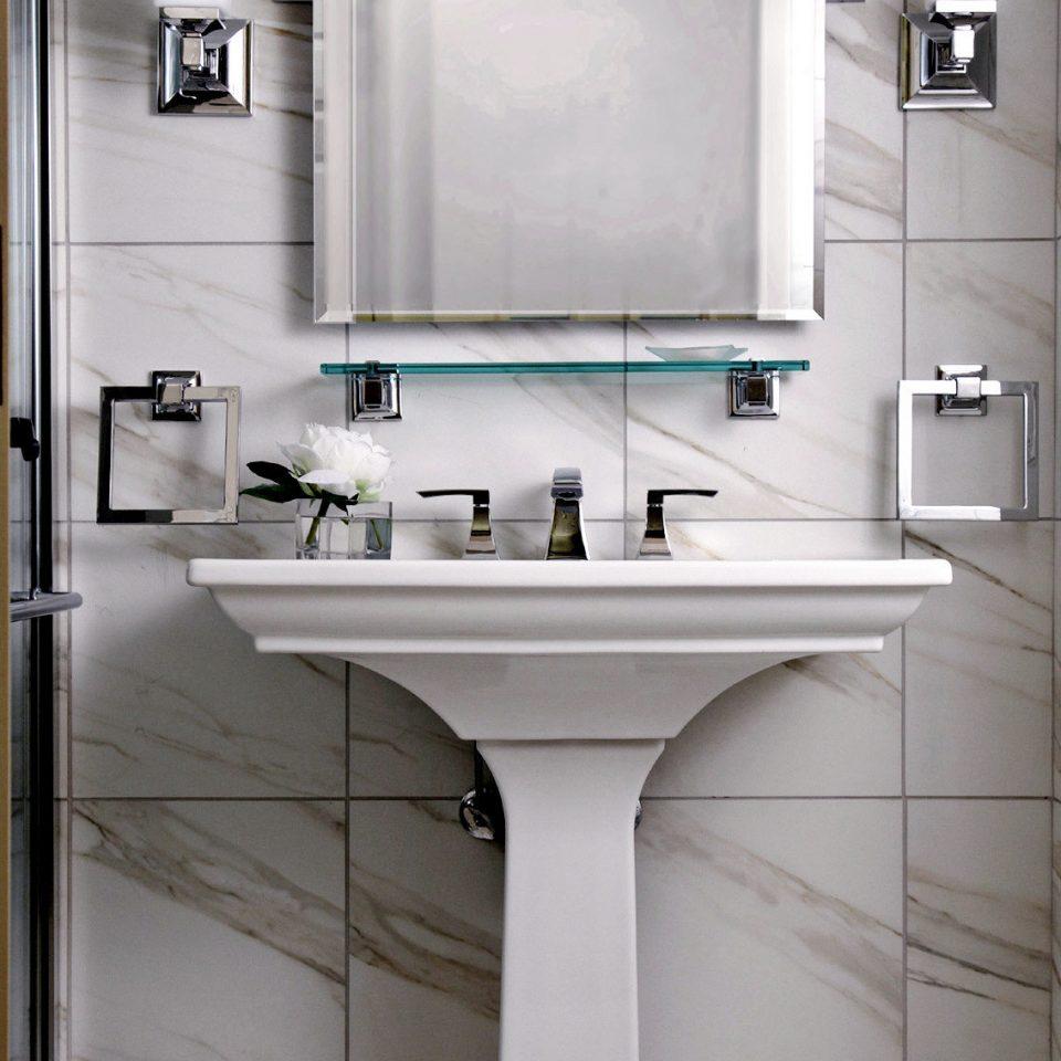 Bath Modern cabinetry sink plumbing fixture toilet countertop Kitchen bathroom bathroom cabinet flooring