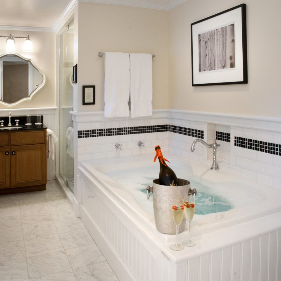 Bath Romantic property bathroom home house Kitchen countertop bathtub flooring cottage