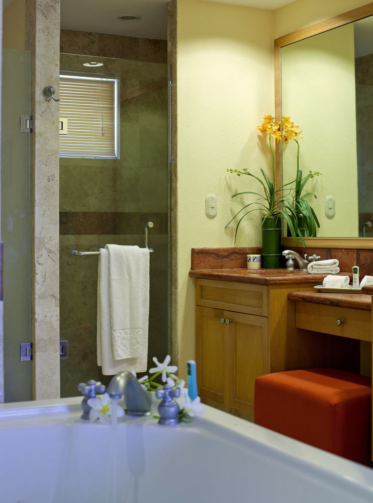 bathroom mirror sink property home Suite Kitchen Bath tub