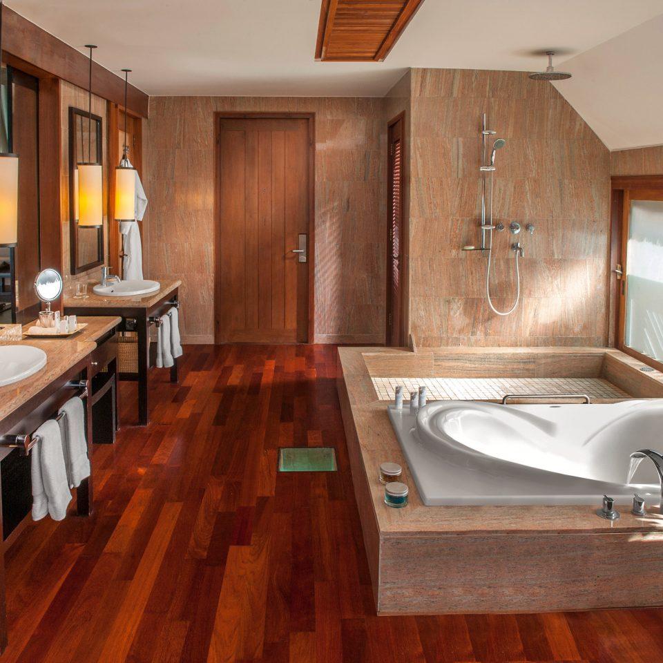 Bath property bathroom home Suite hardwood countertop cottage Kitchen flooring wood flooring swimming pool