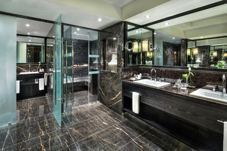 Bath Modern property building Lobby home condominium mansion