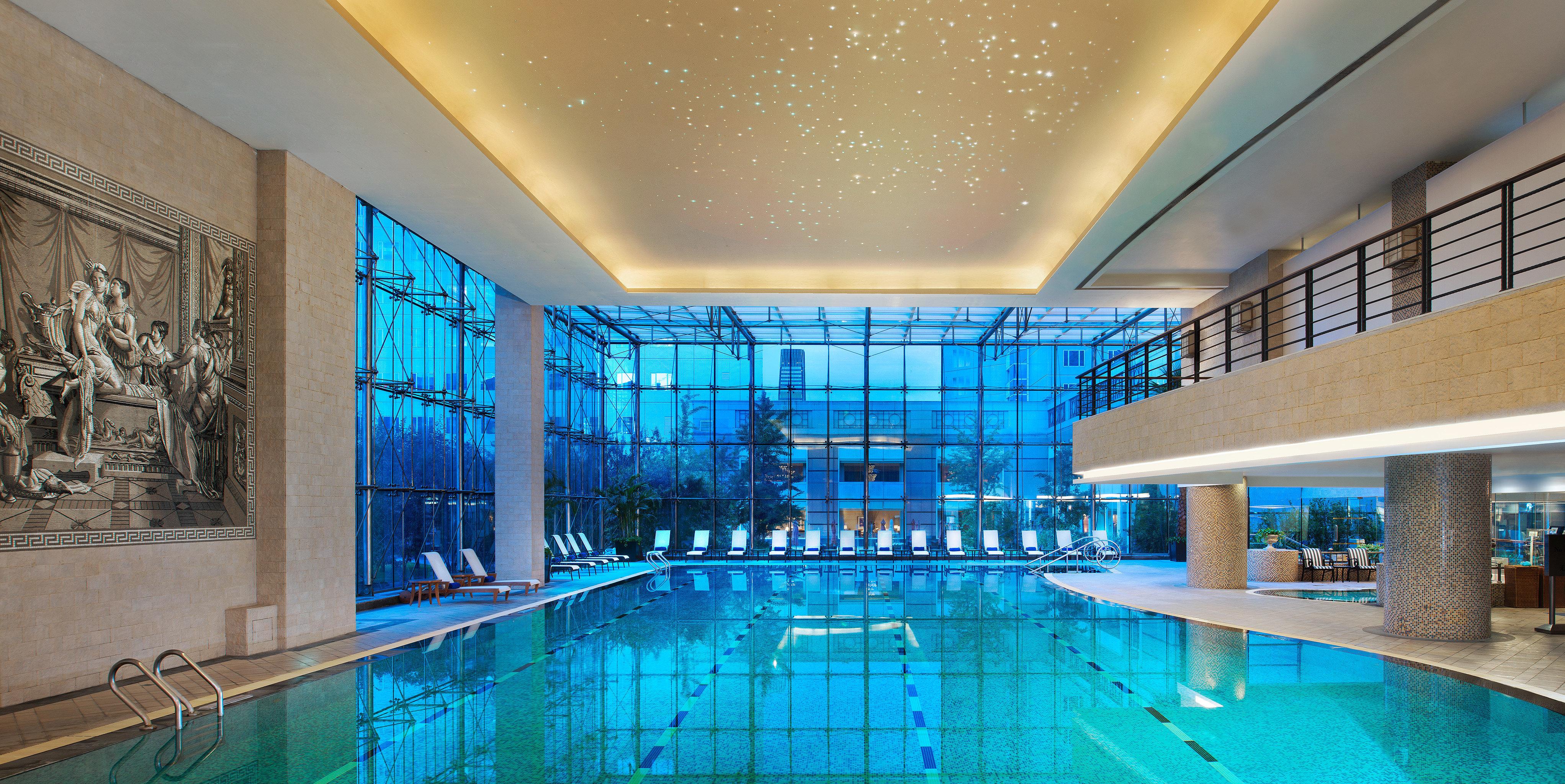 swimming pool property leisure centre Lobby daylighting condominium tub mansion blue bathtub tile Bath Resort