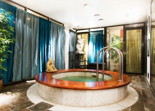 swimming pool property tub home Lobby Suite mansion jacuzzi bathtub living room Bath