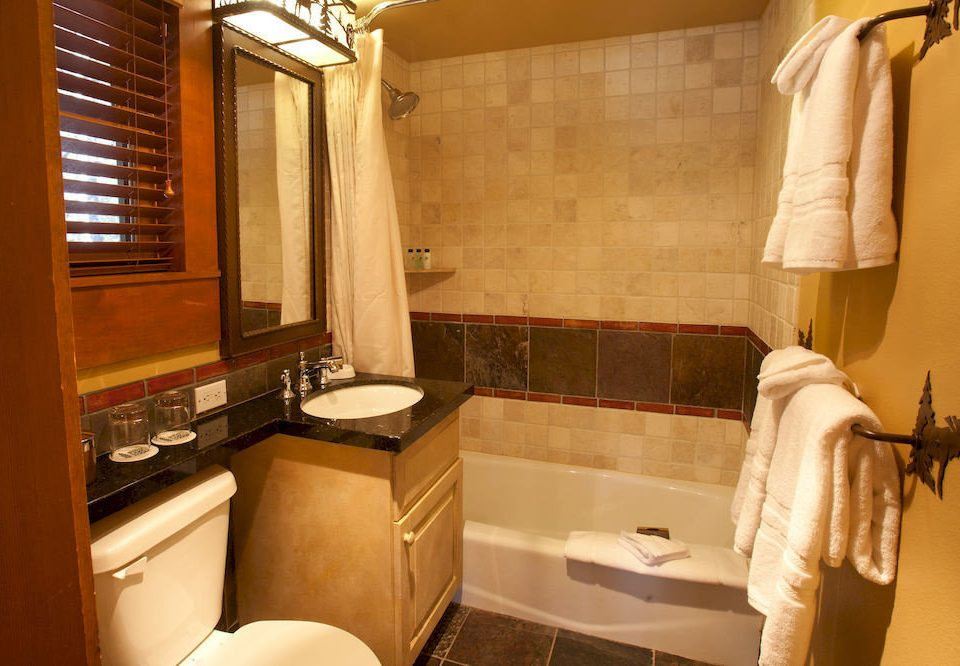 Bath Lodge Romantic bathroom property home Suite cottage sink toilet tub bathtub