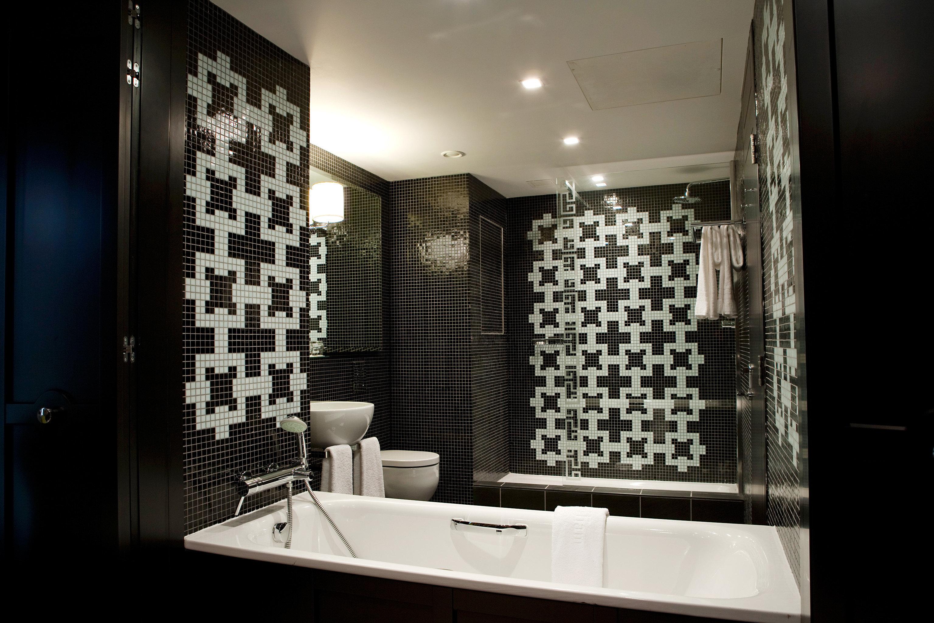 Bath Lounge Luxury Modern bathroom black lighting home tiled