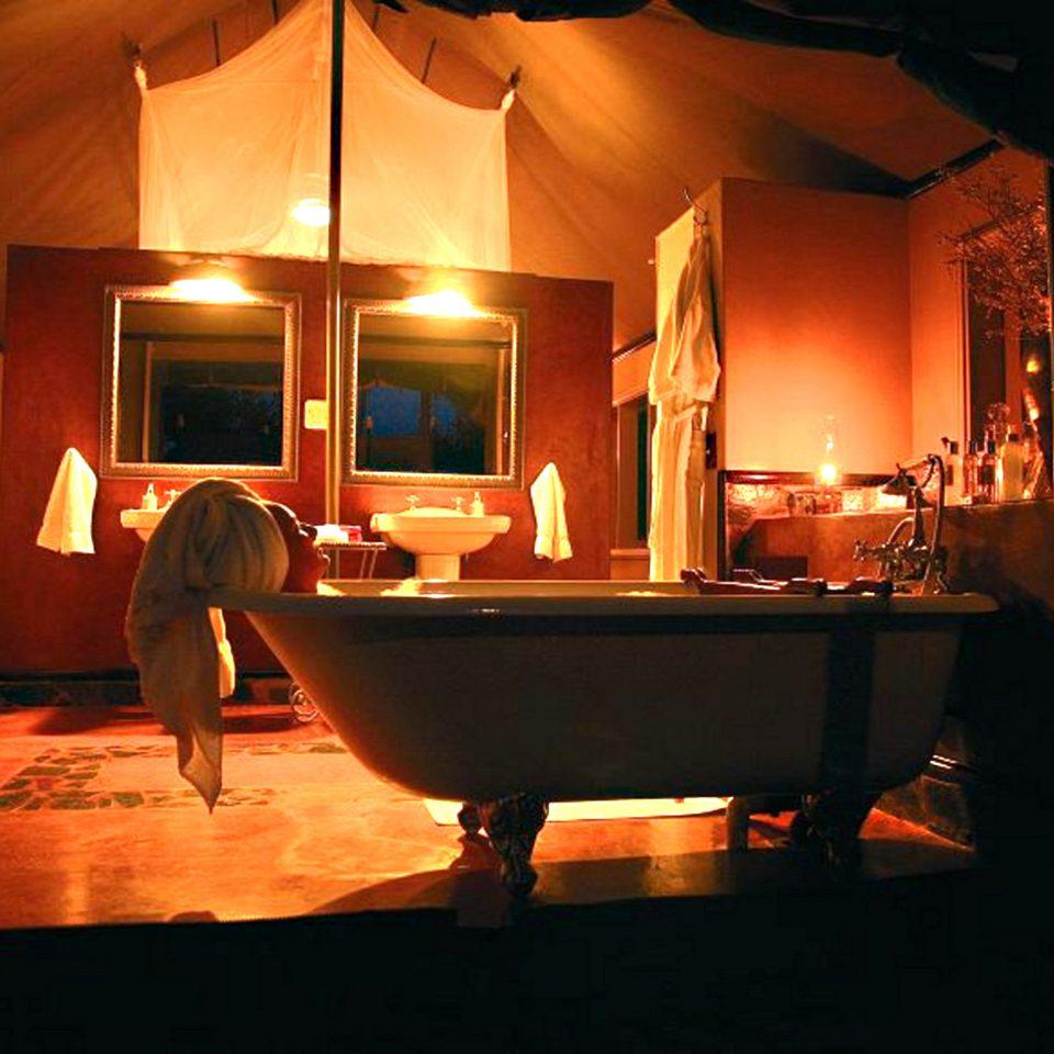 Bath Lounge Luxury Romantic light house night stage lighting dark