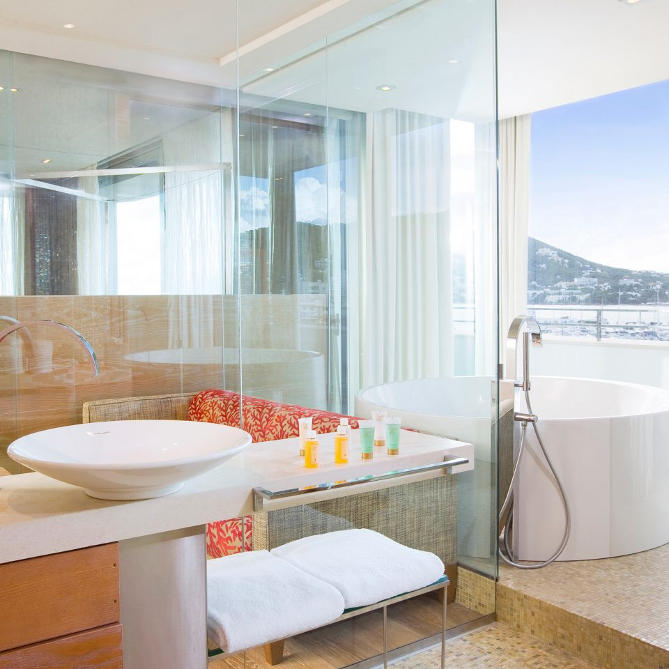 Bath Lounge Romantic Scenic views property bathroom bathtub Suite home counter swimming pool condominium tub