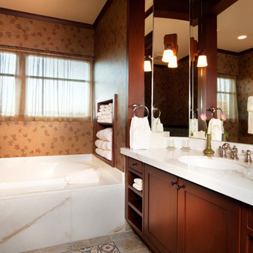 Bath Lounge Romantic bathroom property house home sink cottage Suite farmhouse tub bathtub tile