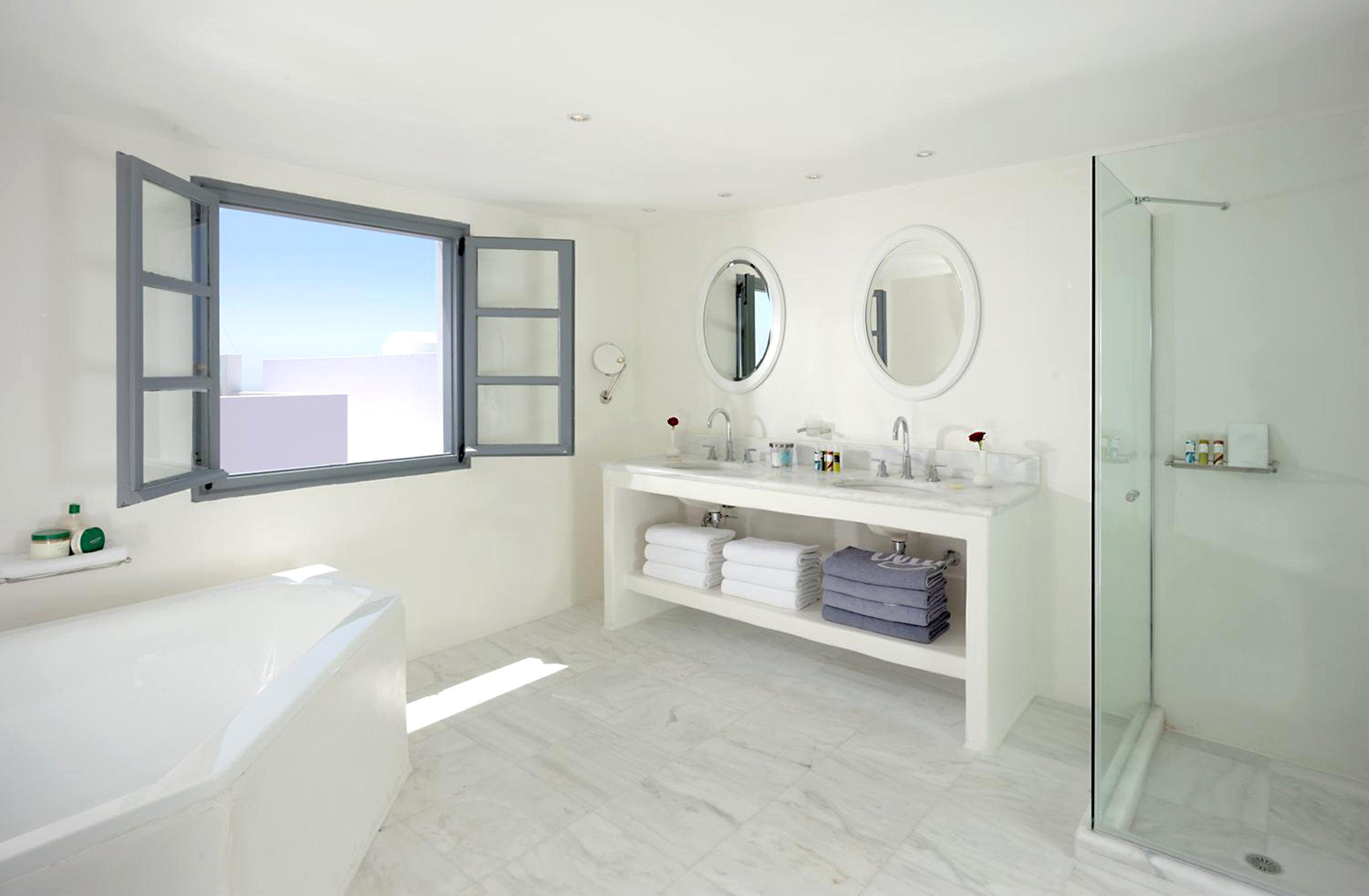 Bath Luxury property bathroom white home cottage bidet