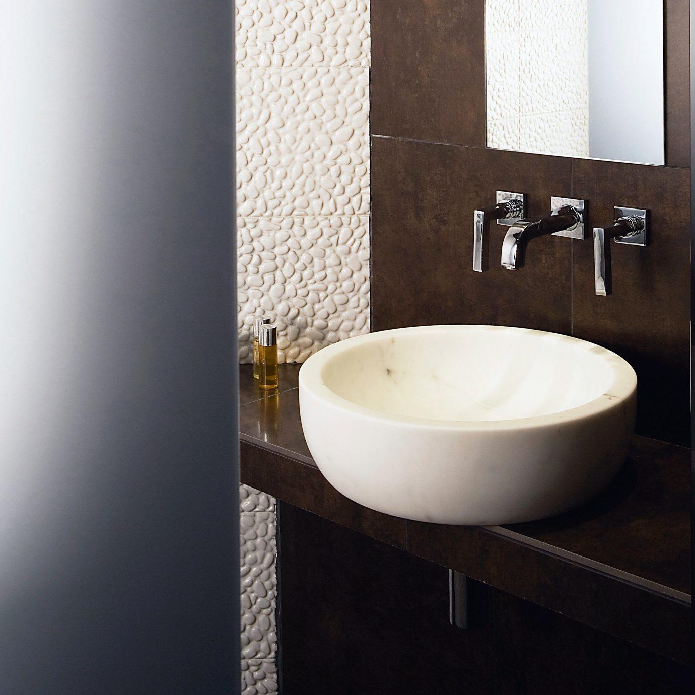 Bath Luxury Modern bathroom plumbing fixture sink bidet bathtub lighting ceramic toilet flooring